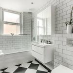 3 bedroom apartment of 98 m² in London