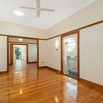4 bedroom house in New Farm