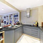 2 bedroom apartment of 77 m² in London