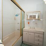 Deluxe Shared Ensuite Room