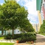 2 bedroom apartment in Westferry Circus
