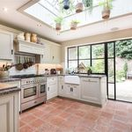 3 bedroom house of 107 m² in London