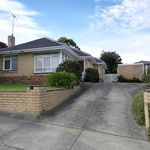 3 bedroom house in Mount-Waverley