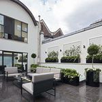 4 bedroom house of 260 m² in London