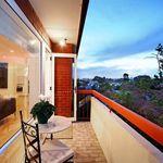 2 bedroom apartment in Prahran