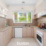 3 bedroom house in Cheltenham