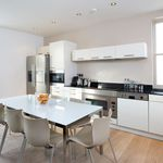 2 bedroom apartment of 84 m² in London