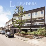 4 bedroom apartment in Kingston upon Thames