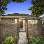 3 bedroom house in Caulfield South