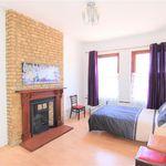 2 bedroom apartment in Surrey