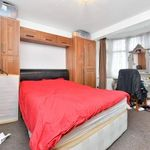 6 bedroom house in Stewart Close