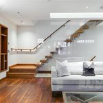 3 bedroom house of 221 m² in London