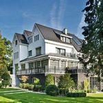 Huis (1038 m²) met 9 slaapkamers in Uccle