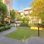 3 bedroom apartment in West Melbourne