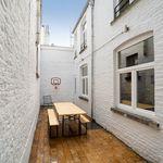 8 chambre maison de 220 m² à Charleroi