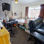 4 bedroom house in Leeds