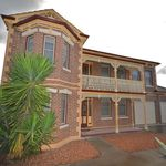 4 bedroom house in Flora Hill